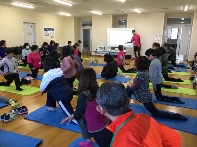 筑波大学で運動指導法のセミナーをする様子