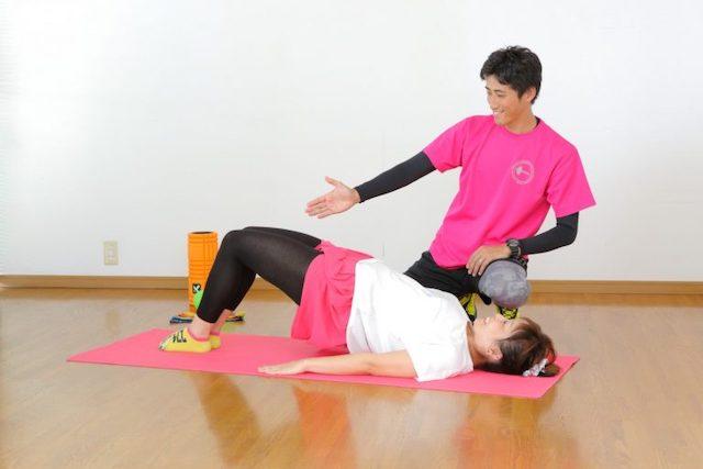 満足そうにトレーニングする女性