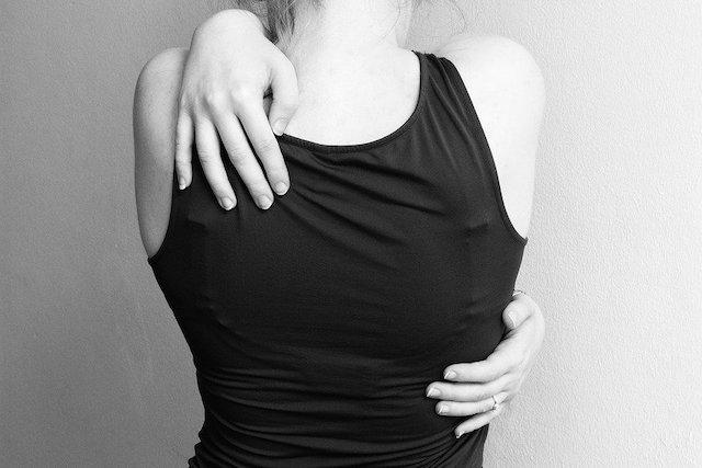 背中やせにマッサージが効果的な理由【女性の特徴】